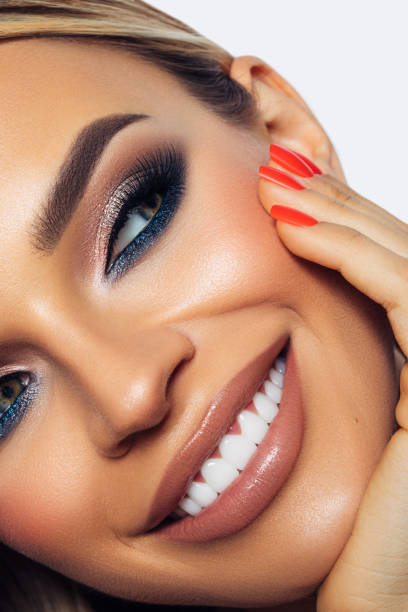 How To Use 3 Tips For Using Eye Makeup To Enhance Your Eyes